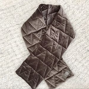 Vince Camuto Grey Chevron Quilted Scarf